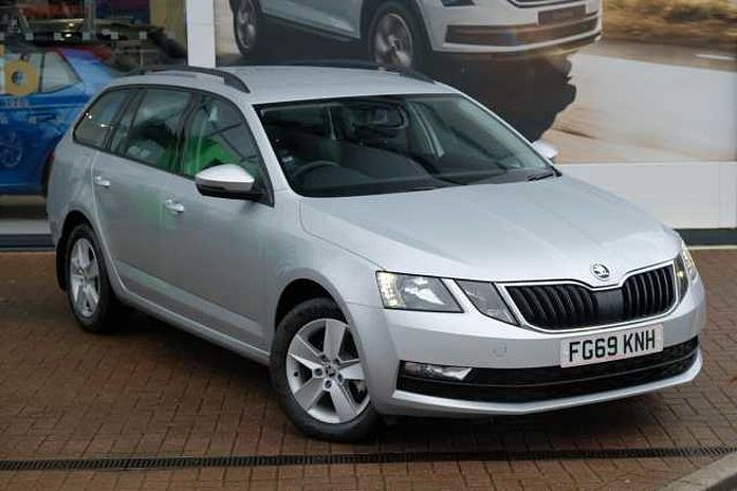 SKODA Octavia Estate (2017) 1.6 TDI (115 PS) SE DSG